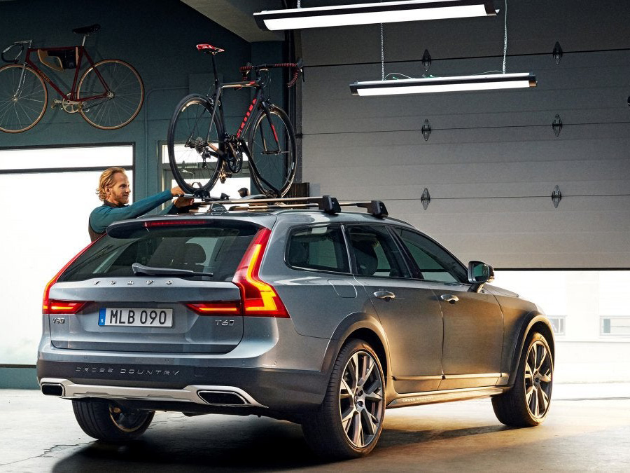 Considering a roof rack? Top tips for choosing and installing.
